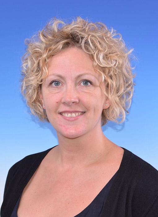 Sarah Edwards Ad Manum Associate
